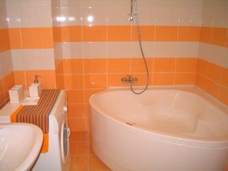 Astuces pour rendre sa salle de bain accessible aux personnes en fauteuil roulant